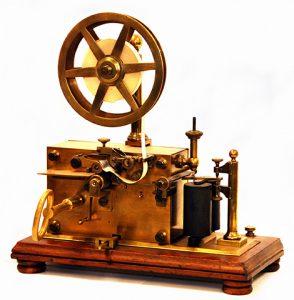 Receptor Morse. Historia de la Comunicación