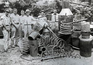 Avant Servicios - Profesiones antiguas olvidadas hoy en día - Alambiquero