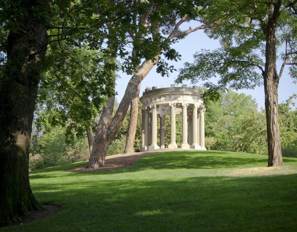 El emblemático parque El Capricho - AVANT Servicios