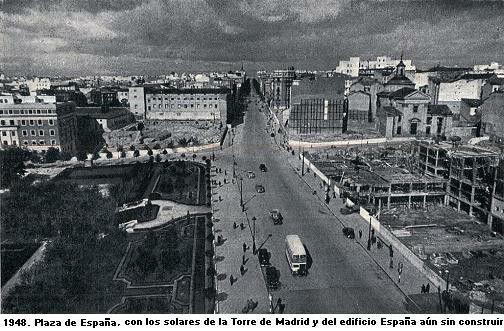 1948. Solares de la Torre de Madrid y el Edificio España