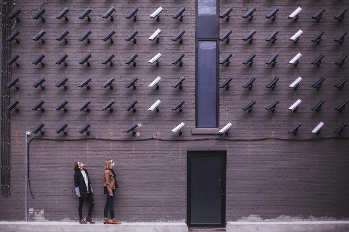 Razones para tener un control de acceso en edificios y urbanizaciones